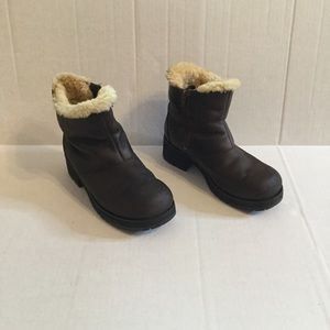 Brown UGG Leather Ankle Boots size 9